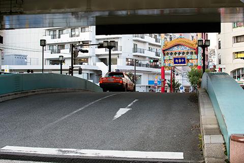 新山下〜石川町駅03