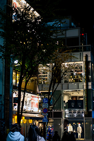 新宿ピカデリー付近23