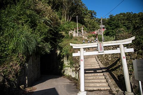 燈籠坂大師の切り通しトンネル09