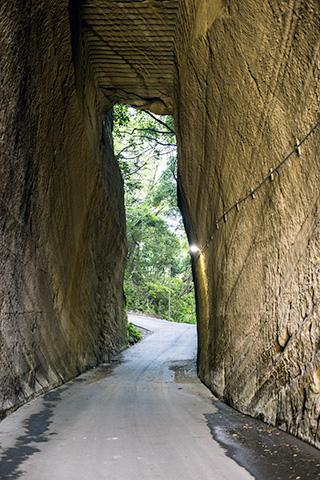 燈籠坂大師の切り通しトンネル26