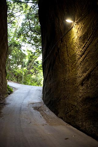 燈籠坂大師の切り通しトンネル28