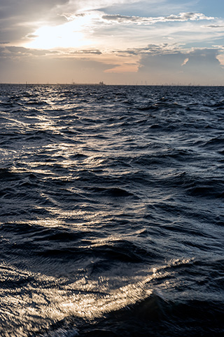 金田黒い海15