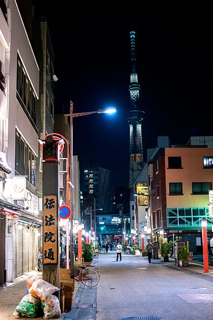夜の浅草散歩106