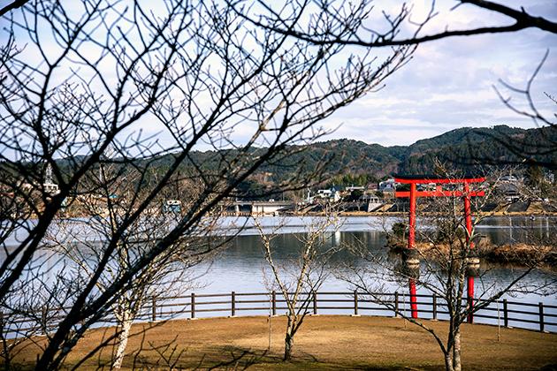 亀山湖25